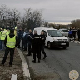 Gilets jaunes: malgré leur interdiction, les actions continuent